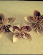 tuto DIY fleurs de livres